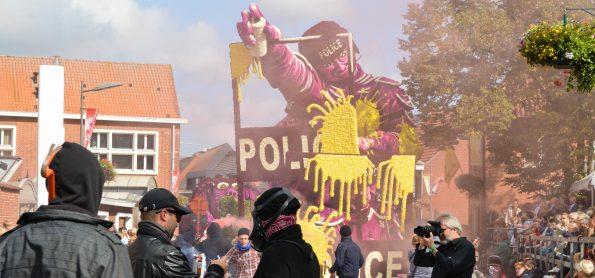 Amok-Buurtschap Notelaar_Bloemencorso Loenhout 2017 (4)