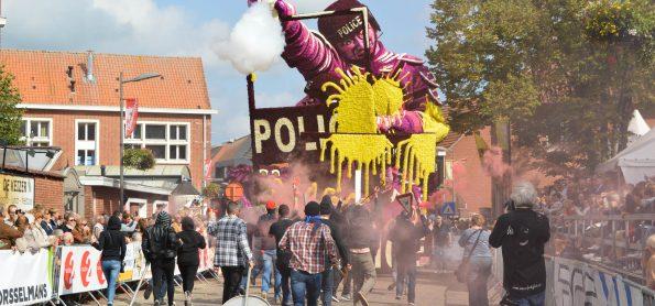 Amok_Buurtschap Notelaar_1ste plaats bloemencorso Loenhout 2017