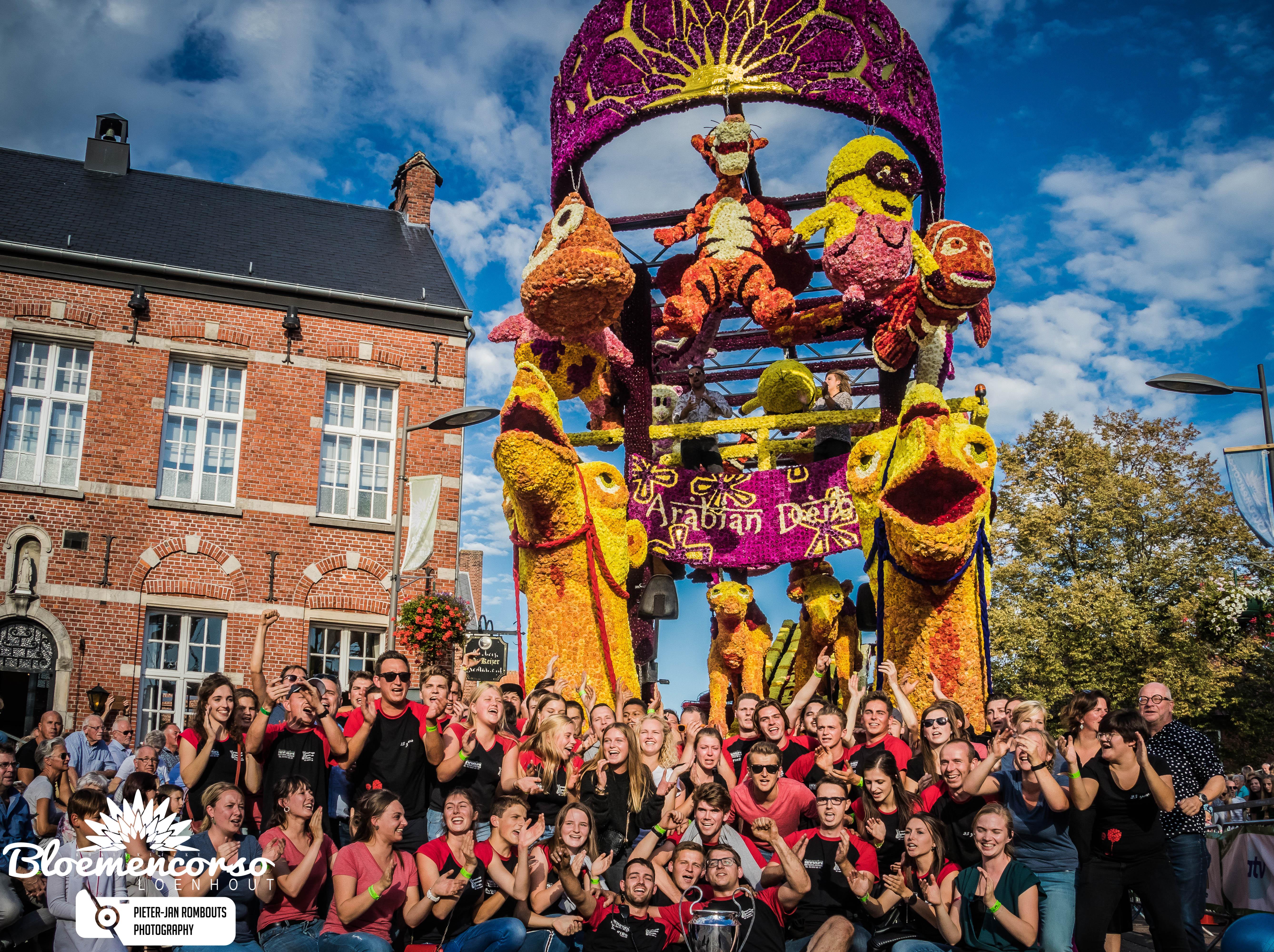 Buurtschap Zuidhoek wint 67ste bloemencorso Loenhout